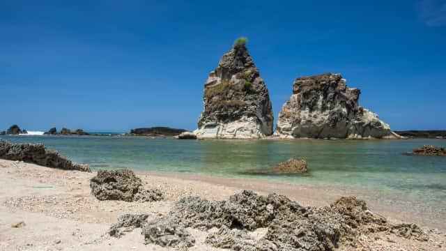 Pantai Tanjung Layar, Banten, Saksi Kisah Cinta Tak Sampai Sangkuriang