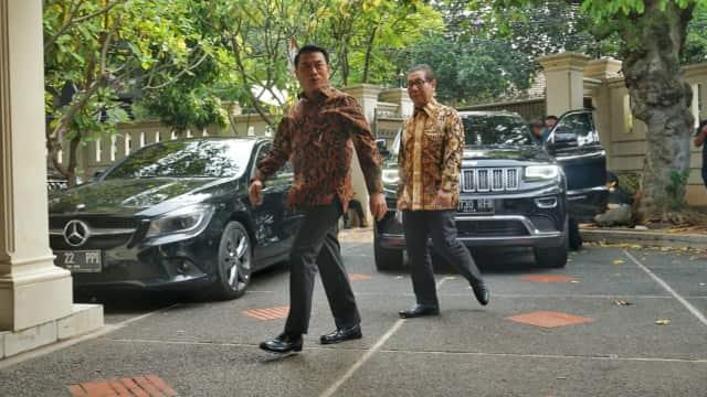 Moeldoko Sambangi Markas Timses Jokowi-Ma'ruf di Menteng