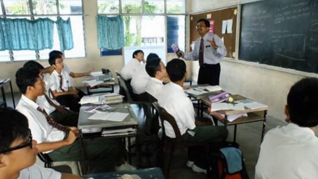 Curhat Guru Honorer: Gaji Kami yang Lulusan Sarjana Kalah dengan Buruh