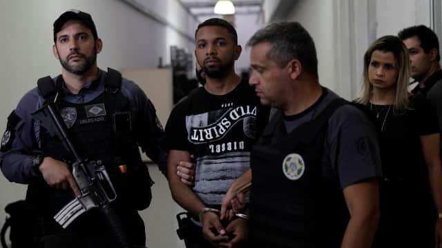 Polisi Brasil Dikecam Usai Berfoto dengan Buronan Paling Dicari