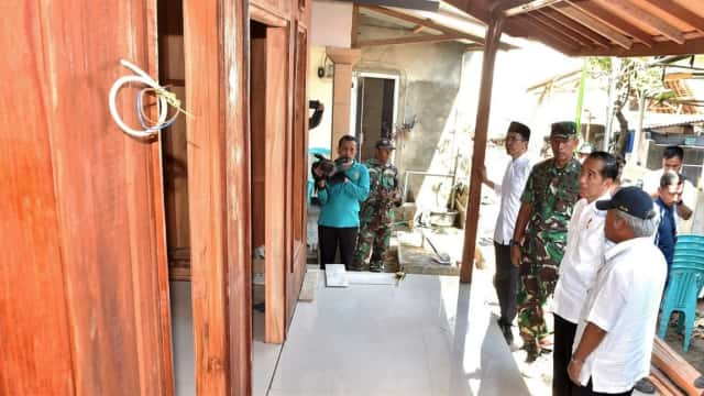 Tinjau Kondisi Lombok, Jokowi Sempat Cek Rumah Zohri yang Direnovasi