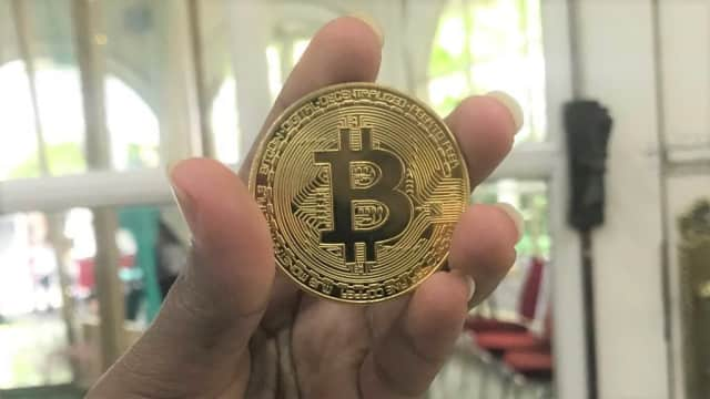 Bitcoin Hanya Diminati Investor Ritel, Ekonom Ingatkan untuk Hati-hati
