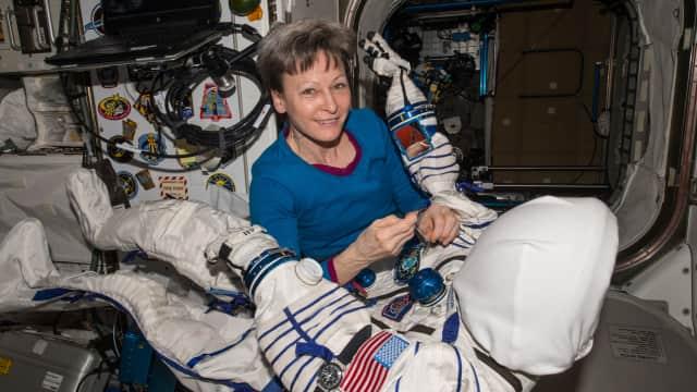Apa yang Terjadi bila Astronaut Perempuan Menstruasi di Luar Angkasa?