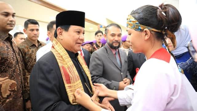 Prabowo Ingin Bangun Akademi Perawat untuk Hormati Ibunya