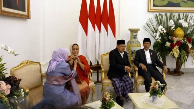 Momen Keakraban Iriana dan Mufidah di Open House Jokowi