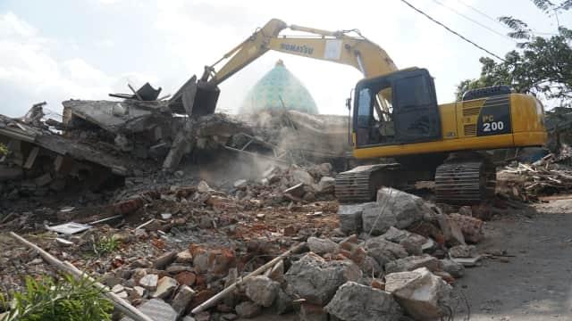 Upaya Menyelamatkan Bibi Zohri yang Tertimbun Reruntuhan Masjid