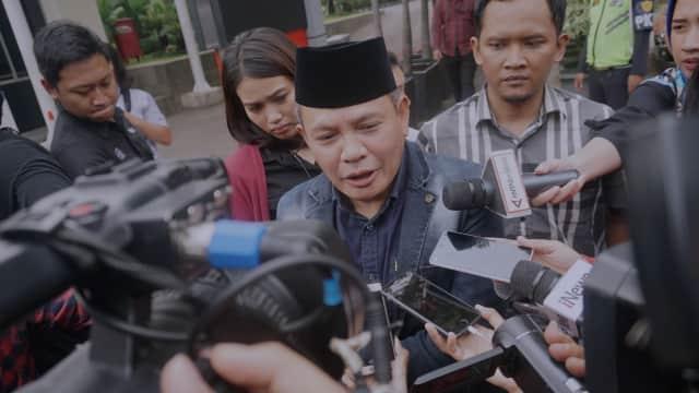 'Mundurnya Yudi Latif dari BPIP Lampu Kuning Merosotnya Pamor Jokowi'