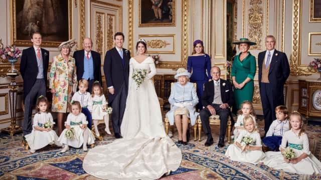 Melihat 4 Foto Resmi Pernikahan Putri Eugenie dan Jack Brooksbank
