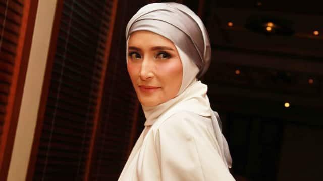 4 Ungkapan Kerinduan Inneke Koesherawati pada Suami