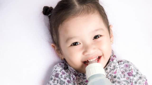 Apakah Balita Masih Perlu Minum Susu Formula? Ini Kata Dokter