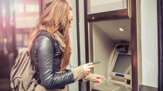 Boros & Takut Bikin Laporan Keuangan, Alasan Perempuan Sulit Menabung