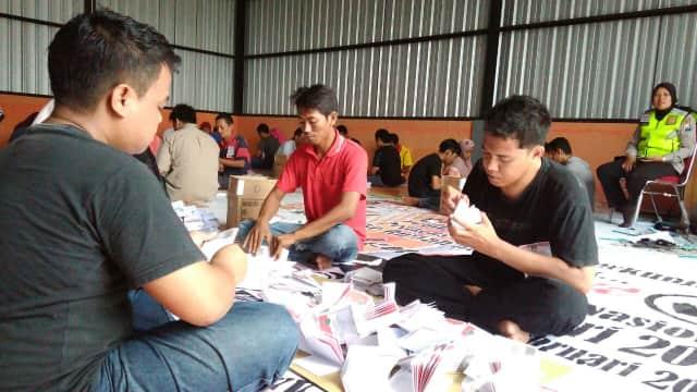 KPU Kabupaten Pasuruan Targetkan Pelipatan Surat Suara Selesai 4 Hari