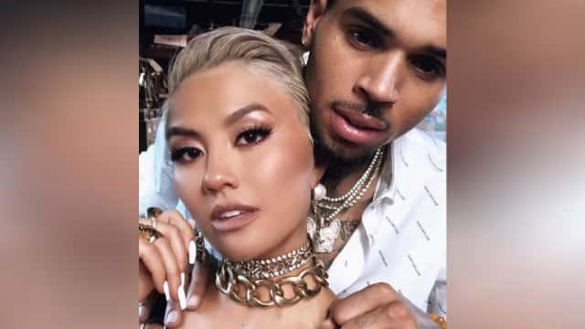Kolaborasi Agnez Mo dengan Chris Brown: Kita Artis Bukan Selebritas