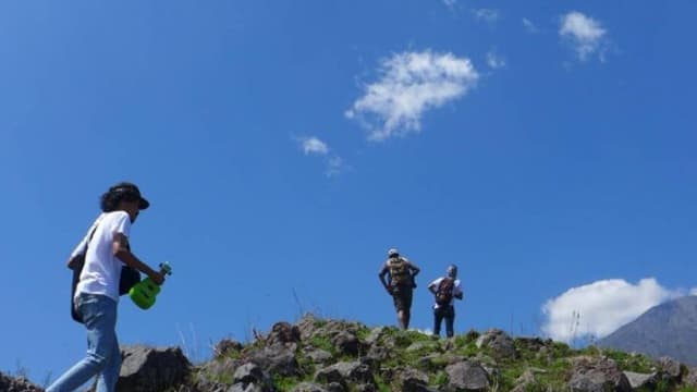 Belajar Lagu Daerah Suku Sasak di Tengah Kumparan Getaway Sembalun