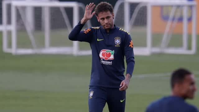 Neymar Putuskan Tetap Bertahan di PSG