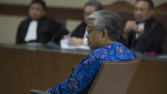 Gubernur Sultra Nonaktif Nur Alam Didakwa Rugikan Negara Rp 4 Triliun