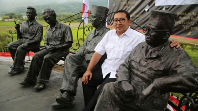 Fadli Zon Resmikan Patung Sukarno, Hatta, Sjahrir, dan Tan Malaka