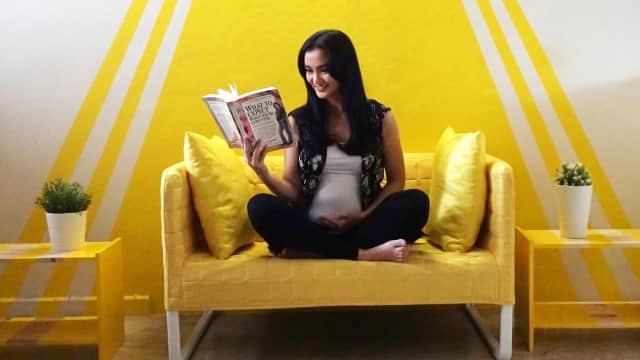 Video: Atiqah Hasiholan Umumkan Kehamilan Pertamanya