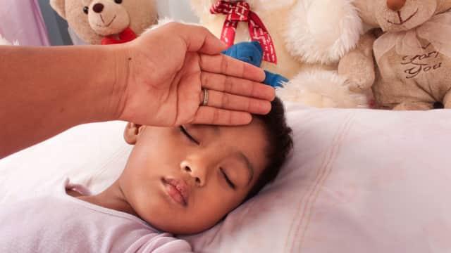 Penyebab dan Gejala Tifus pada Anak