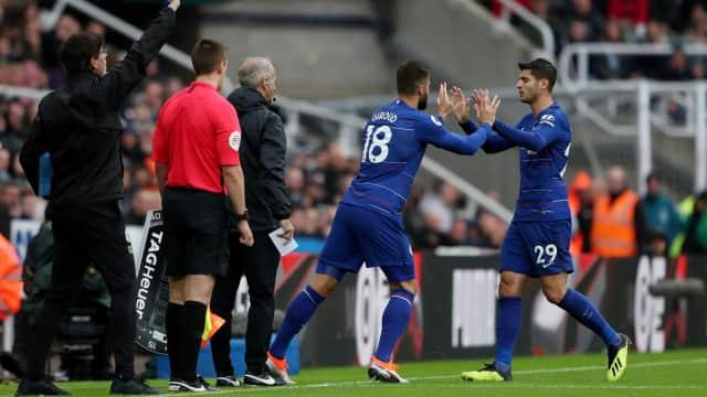 Bagi Sarri, Morata dan Giroud Sama Pentingnya untuk Chelsea