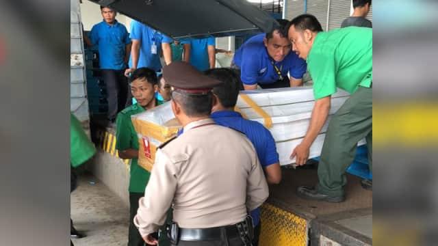 Jenazah Korban Gempa dan Tsunami Sulteng Tiba di Bandara Kualanamu