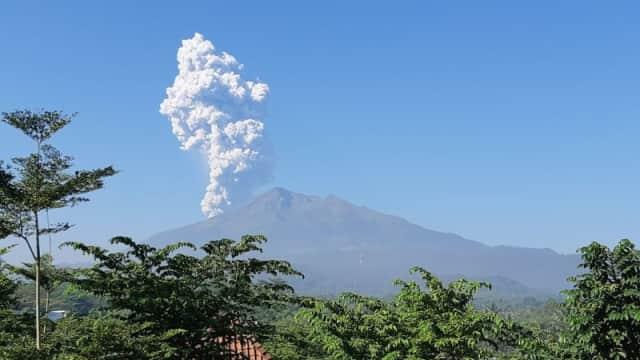 PVMBG: Gunung Merapi Menghasilkan Tiga Kali Letusan