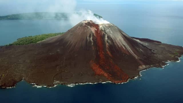 Gunung Anak Krakatau Erupsi, Kapal di Selat Sunda Diminta Waspada
