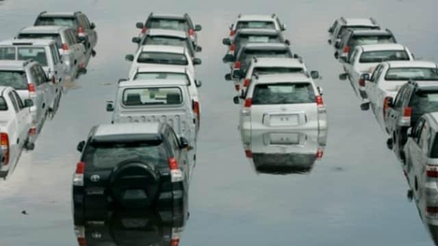 Tips Hadapi Genangan Banjir Ketika Berkendara