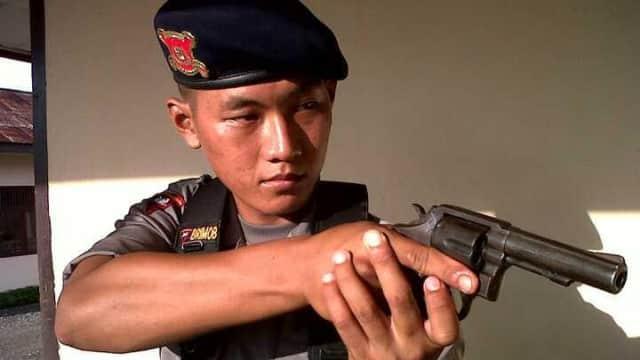 Jenazah Anggota Brimob yang Ditembak di Papua Dimakamkan di Bengkulu