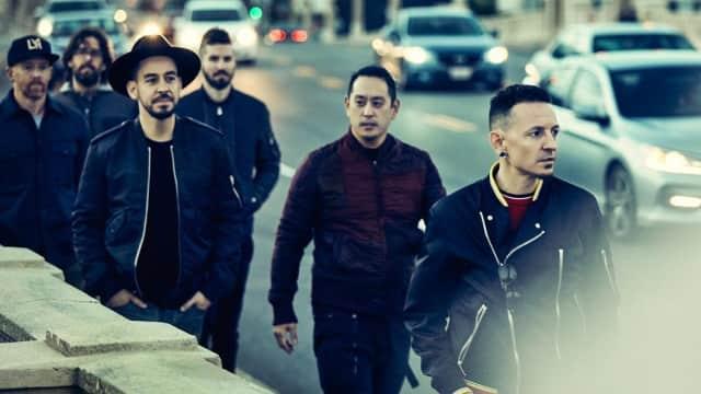 Linkin Park Dedikasikan Trofi American Music Awards untuk Chester