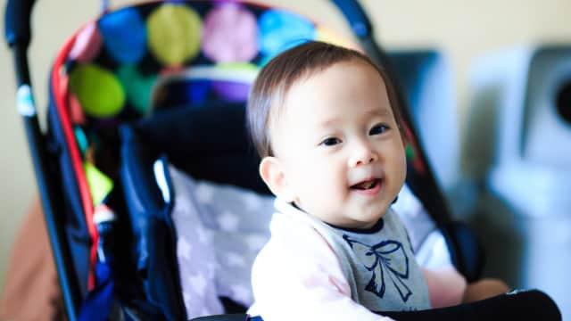 4 Alasan Bayi dengan Stroller Tak Boleh Naik Eskalator