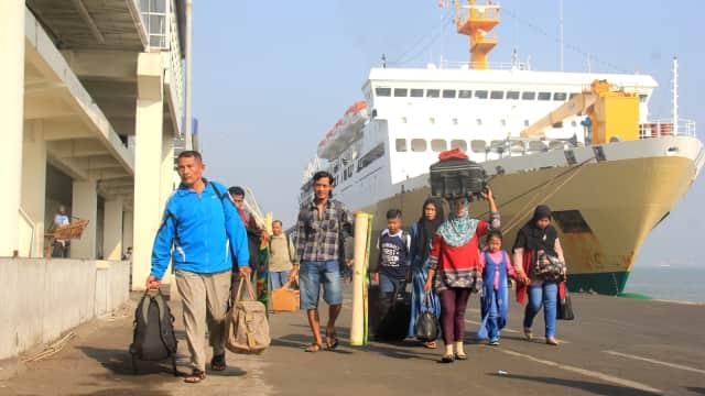 Jumlah Kapal di Pelindo III Bertambah, Penumpangnya Malah Menurun