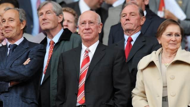 Sir Bobby Charlton: Kebanggaan Manchester United, Kebanggaan Inggris