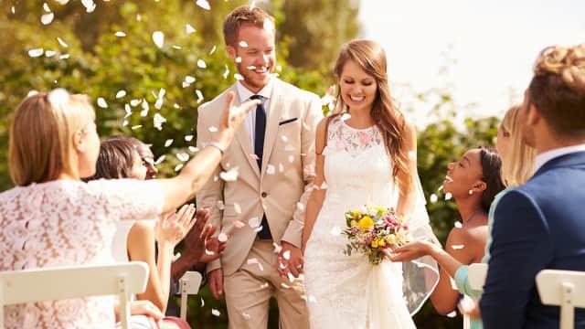 5 Topik Pembahasan yang Harus Dibicarakan Pasangan Sebelum Menikah