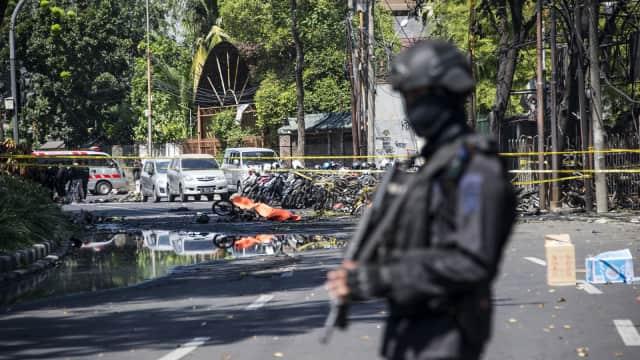 Membandingkan Pola Serangan Bom Surabaya dan Kampung Melayu