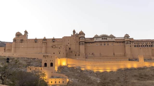 7 Tempat Bersejarah Menarik yang Wajib Dikunjungi di Jaipur