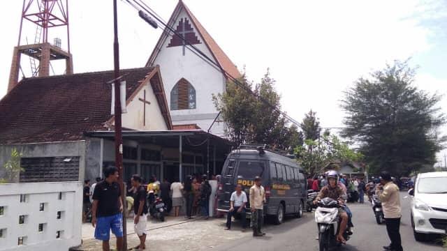 Puluhan Psikolog Memulihkan Trauma Korban Penyerangan Gereja Bedog