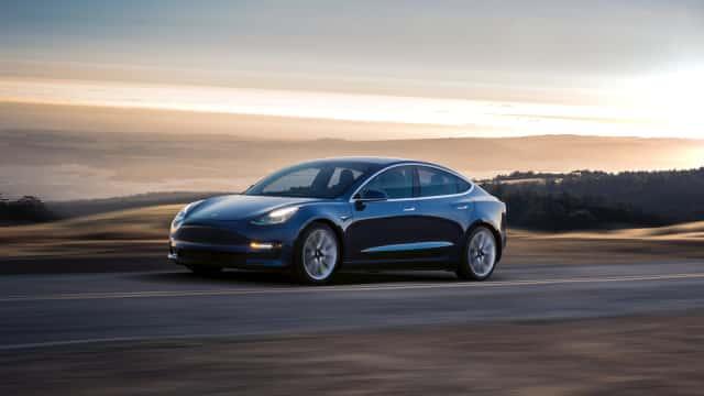 Tesla Tersandung Lagi