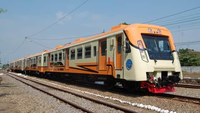 KAI Akan Terima 3 Rangkaian Kereta Baru dari PT INKA