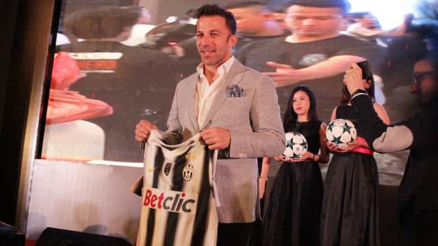 Jersey Juventus Milik Del Piero Dilelang untuk Korban Erupsi Sinabung