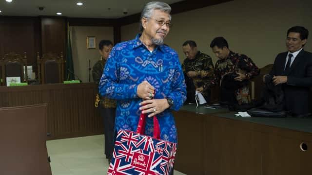 Gubernur Sultra Nonaktif Nur Alam Didakwa Terima Gratifikasi Rp 40 M