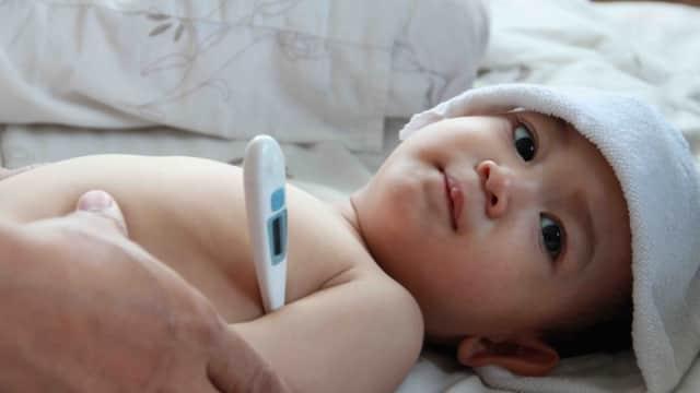 Jangan Salah Moms, Ini Cara Mengompres Bayi yang Benar