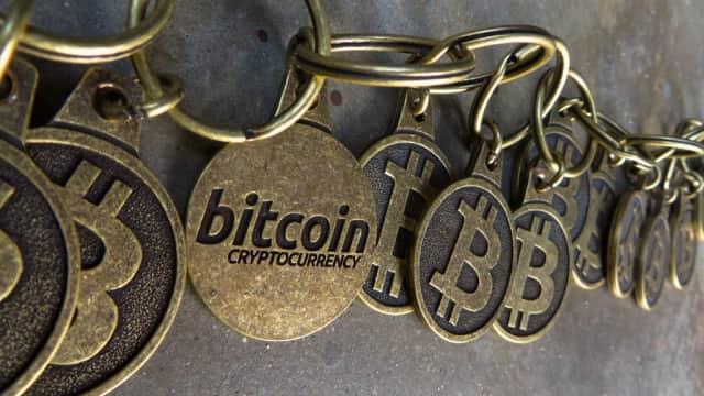 Bitcoin Terus Terperosok, Dana USD 30 Miliar Sirna