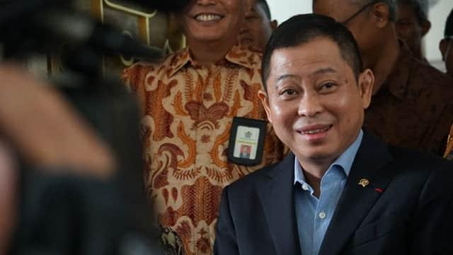 Menteri ESDM Berikan Listrik Gratis Bagi Pengungsi Sinabung