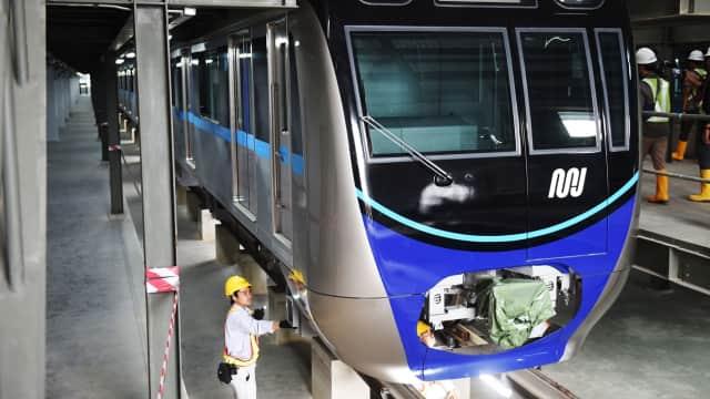 Belum Selesai Dibangun, Kolong MRT Sudah Dicoret-coret