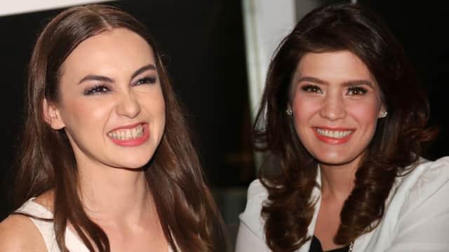 Membandingkan Gaya Rianti Cartwright dan Carissa Putri