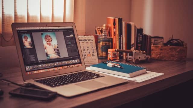 Adobe Pakai Teknologi Kecerdasan Buatan untuk Identifikasi Foto Palsu