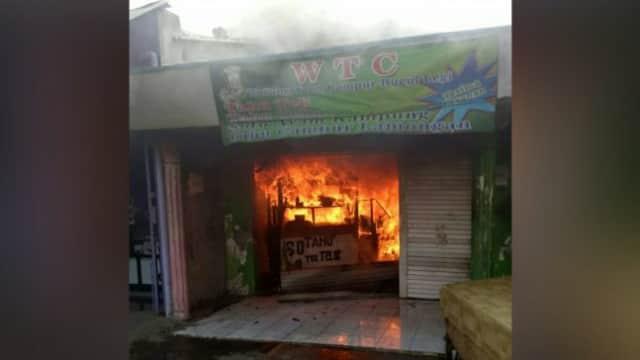 Kios Makanan di Kota Pasuruan Terbakar