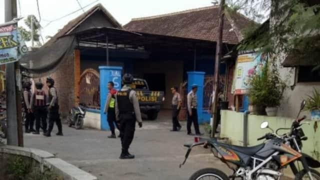 Polisi Geledah Rumah dan Tempat Kos Terduga Teroris di Bangil