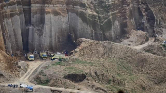 Gunung Merapi Berstatus Waspada, Penambangan Pasir Ditutup Sementara